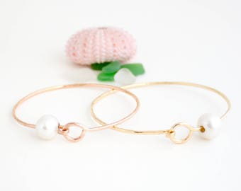 Simple Bangle with Pearl & Clasp, Handmade, Stackable, 14k Gold Filled, 14k Rose Gold Filled, Simply Me Jewelry Pearl Bangle w/claspSMJBR602