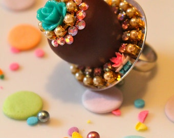 Kawaii Candy Ring - Candy Ring - Candy Jewelry - Kawaii Jewelry - Food Jewelry - Mini Clay Food - Kitsch Jewelry - Chocolate Candy Ring