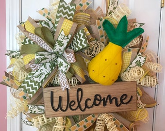 Summer pineapple wreath