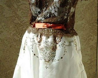 Party/Prom Gown 2Pc. Set Brown Lace Bodice/ Embroidered Organza Skirt/ Slip  Size 8 - Item #717 Gowns Dresses