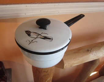 vintage enamel pot with cover, bird decor on cover,,adorable, kitchenware,cookware