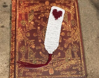 Valentine's Day Bookmark //Heart Bookmark// Lace//Crochet//TheOhDee