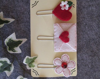 Planner clips set;  3 felt paper clips: heart, flower, letter; Planner accessories; Felt bookmarks; Stocking stuffers; Party favors.