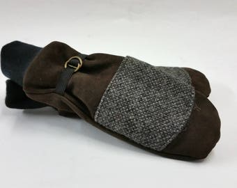 Azarov Mitten recycled brown leather and arrow road wool KAZAK ethical leather