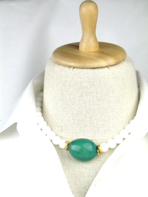 Bead Necklace in Green and White with White Sea Shell and  Emerald Green Tagua Nut / Womens Gift /  Eco-Friendly Jewelry