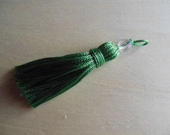 Tassel has grass green bead