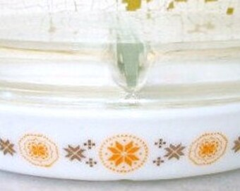 Vintage Pyrex ville & pays répartie d'une Casserole recouverte plat Orange et brun 1 1/2 pinte
