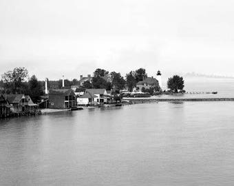 "1900-10 Lake St. Clair, Windmill Point, MI Vintage Photograph 11"" x 17"" Reprint"