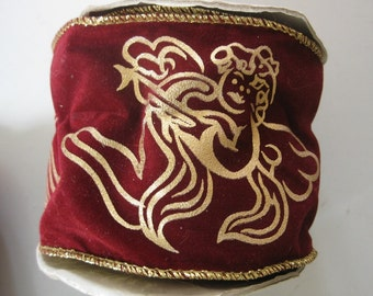 """Vintage Crhistmas 3"""" Wired Maroon Ribbon With Gold Edge and Angel Design, Over 6 Yards"""