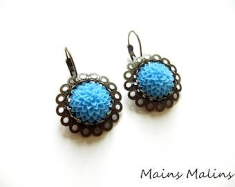 Earrings sleepers blue dahlia