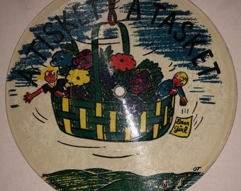 Vintage childrens picture record A Tisket A Tasket Did You Ever See a Lassie Record Guild of America