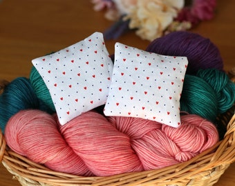 Lavender Sachets, Value Pack of 4 Lavender Pillows, Dried Lavender for Yarn Storage