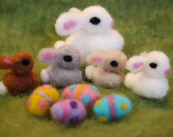 1 Easter Bunny with 4 Baby Bunnies, Easter Eggs, Needle Felted Bunny, Easter Decoration, Waldorf Inspired