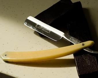 """Vintage Straight Razor STIZ63 """"CAPITAL MOSCOW""""  Soviet Collectable Razor in Original Box Old Barbers Tools 60s ussr 1960s Cut Throat Blades"""