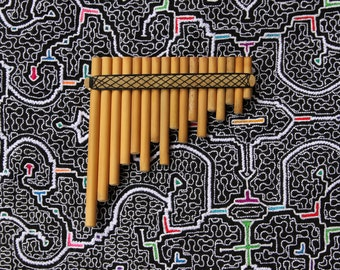 Cosmic Rondador Panflute in E minor from Peru...magic instrument for playing interdimensional soundwaves...high quality professional flute