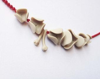 nO. 193 'lilies between red corals' necklace