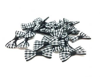 25 mini black and white checkered bow