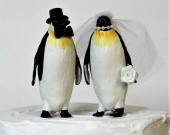 Penguin Wedding Cake Topper, Emperor Penguin, Unique Cake Topper, Bride and Groom, Animal Cake Topper, Black and White Cake