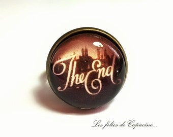 THE END• • glass cabochon ring. 7TH ART