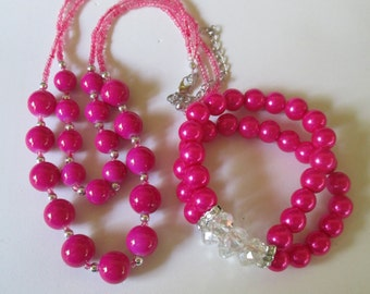 "Necklace hot pink glass Chunky  Beaded 17"" necklace and matching stretch bracelet"