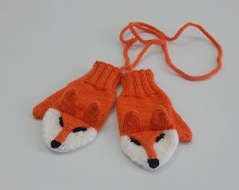 Варежки лисички. варежки детскиеMittens chanterelles. mittens