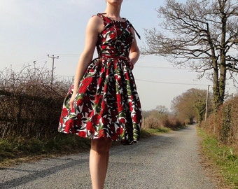 1950s inspired Betty Draper dress