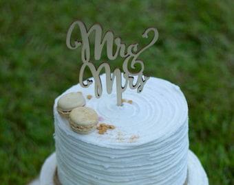 Wood Mr & Mrs Cake Topper