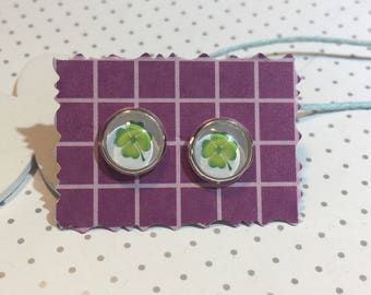 Four-leaf clover earrings cabochon