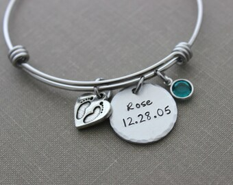 New mom bracelet - stainless steel wire bangle - Personalized name and date - Hand stamped aluminum disc - Swarovski crystal birthstones