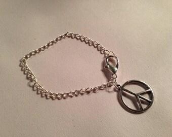 Peace Sign Charm Bracelet - Silver Jewelry - Chain Jewellery - Fashion - Trendy - Anti War