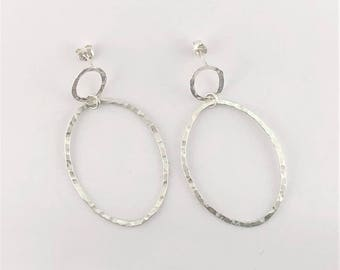 Sterling Silver Hammered Hoops Earrings / Medium size / Post back / Around Town Collection