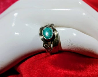 Silver Turquoise Ring ~ Size 7 ~ 925