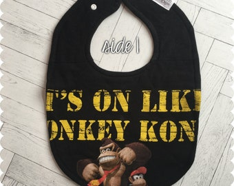 Donkey Kong Baby Bib, Reversible Recycled T-Shirt Bib, Baby Shower Gift, Video Game Baby, Baby Bibs