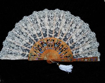 Fan, hand-painted lace
