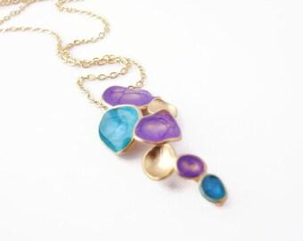 Violet collier déclaration, longue violet pendentif, faire cadeau de Noël, émail bleu collier, collier en or lavande, émail bijoux, idées cadeaux de Noël