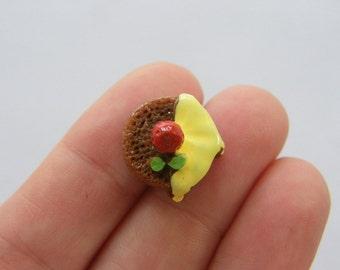 8 Christmas pudding resin cabochons FD307
