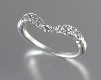 DELIGHT Wedding Band 14k gold & Diamonds