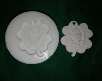 Four-leaf clover mould for communion in silicone rubber for plaster