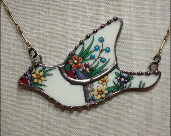 Broken China Jewelry Lenox Rutledge Mosaic Bird Pendant Necklace by robinsrelics