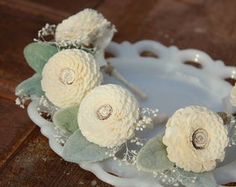 Sola flower boutonniere, grooms boutonniere, sola wood flower, grooms flower, boutineer, natural wedding flowers, pin on eco flower