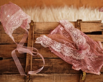 Newborn romper for a girl with a hat, newborn lace, lace romper, new romper, photography prop lace, newborn girl, ready to ship