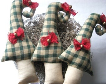 Primitive Christmas tree bowl filler. Primitive Christmas tree decor. Stuffed Christmas tree. Green red Christmas decor Plush Christmas tree