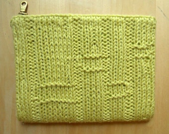 Small Bamboo Knit Clutch (Lotus)