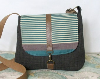 Last one. New Mexico-- Crossbody messenger bag // Adjustable strap // Crossover bag// Vegan purse // Teal // Travel purse // Ready to ship