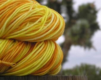 Sport Weight Yarn - Merino Superwash - Wooly Daisy