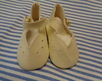 """Classy Style Ivory Leather Doll Shoes  Vintage Doll Shoes  SIZE 3- Fits Apple valley Dolls 22"""""""
