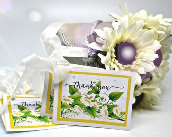 White Daisy Thank You Tags, Daisy Yellow, White and Green Set of 8 Gift Tags, Yellow Thank You Tags with Glitter accents