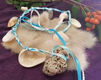 Sea Witch Water Element Witches' Ladder / Hag Stones and Shell Braided Witches Ladder / Magical Home Decor / Witch Prayer Beads/seashells