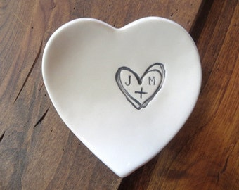 Engagement ring holder, ring dish, Wedding gift, Engagement gift, Bridesmaid gift, Bridal shower gift, heart dish, personalized gift