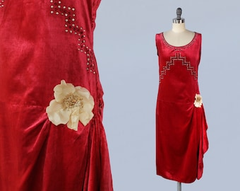 1920s Dress / 20s Red Velvet Art Deco Rhinestone Dress / Fabric Flower Embellishment / GOLD LAME Trim